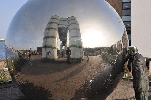 Cardiff : Mirror Ball