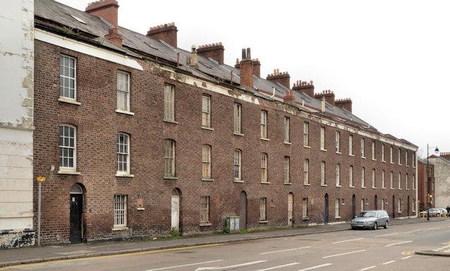Row, University Street, Belfast - April 2014(1)