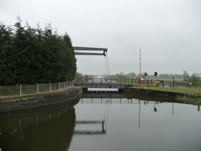 Kirkhouse Green liftbridge open for road traffic
