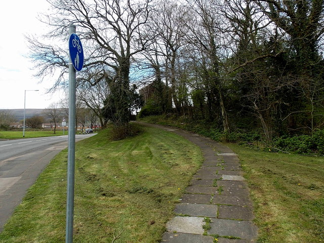 Footpath and cycleway on the north side of Maendy Way, Cwmbran