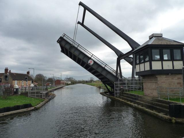 Barnby Dun liftbridge open for canal traffic