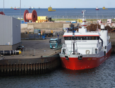NJ9505 : Viktoria Viking at Russells Quay, Aberdeen harbour by Mike Pennington