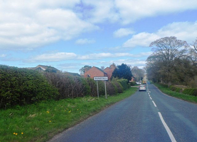 Approaching Dunstall Cross on Forest Road