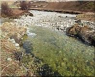 NR9148 : The clear waters of Abhainn Mòr  by Rob Farrow