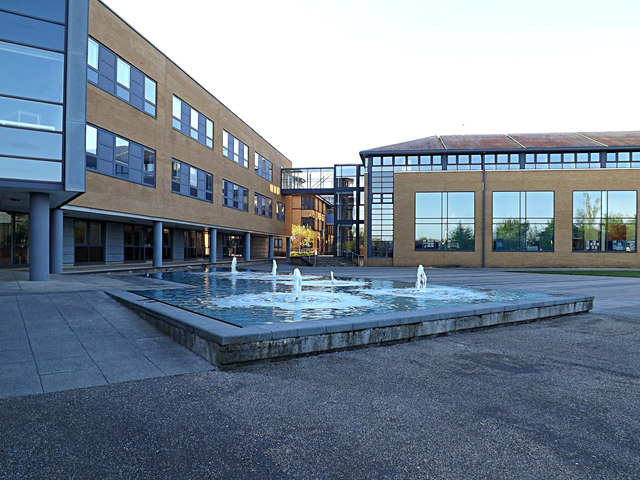 Management School Building & Water Feature