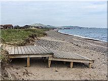NO3901 : Fife coast north of Leven by William Starkey