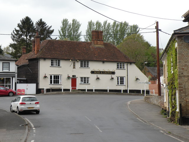 'Rose & Crown' public house on Collier Row in Ashdon