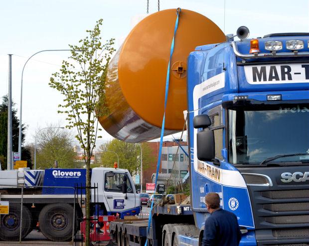 Fuel tank delivery, Strandtown, Belfast - April 2014(5)