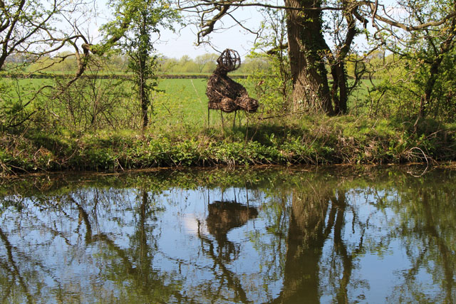 Herme's Art Room: 3Rs sculpture trail: Grantham Canal