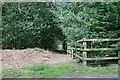 SU7563 : Jouldings Lane at Well House Lane by Hugh Craddock