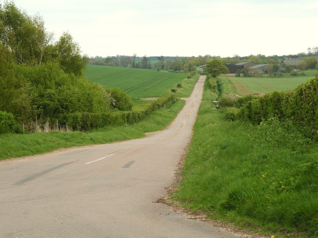 Webbs Road, looking towards Streetly End