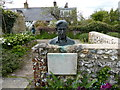 TQ4206 : Bust of Leonard Woolf by PAUL FARMER