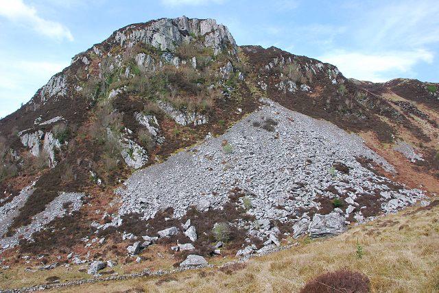 Scree slope on Dun Chonallaich