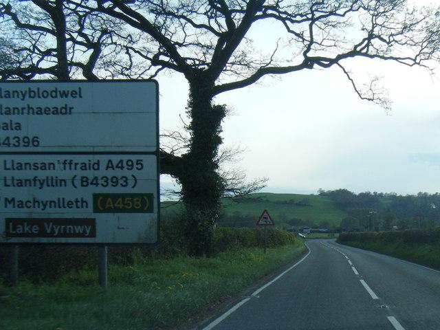 A495 west of Porth-y-waen