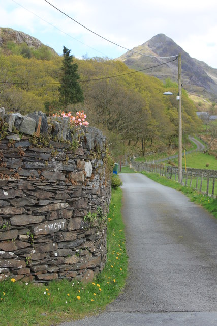 Lane from Croesor towards Cnicht