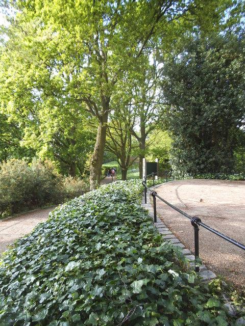 King Henry's Mound on Richmond Park