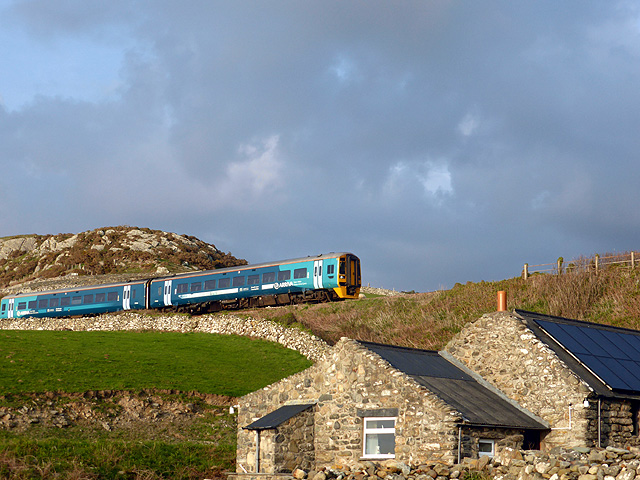 The 19:01 Arriva Trains Wales service from Barmouth to Machynlleth