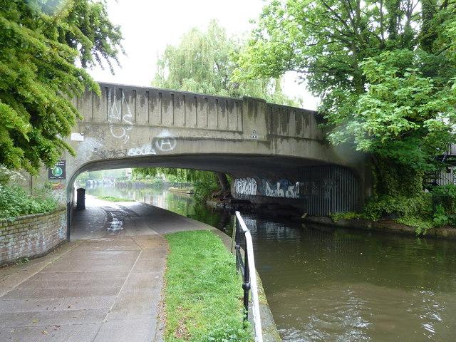Bridge 54, Regents Canal - Old Ford Road Bridge