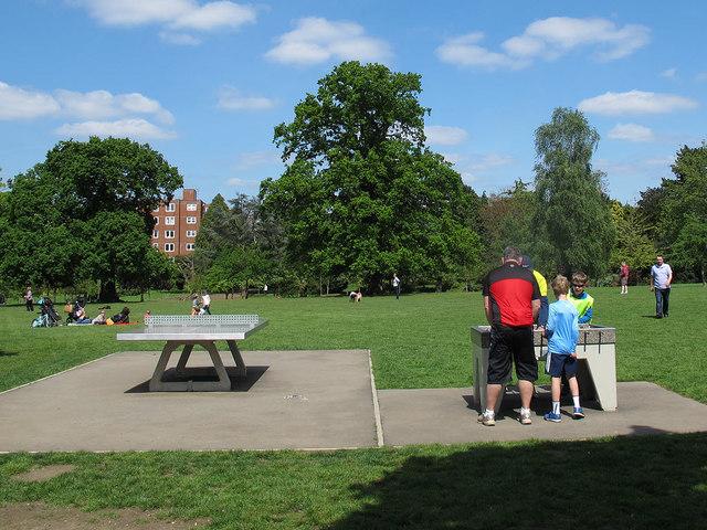 Outdoor games in Kelsey Park