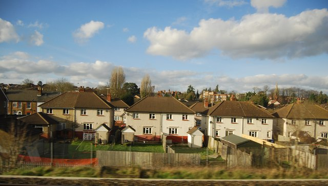 Houses, Boyn Valley Rd