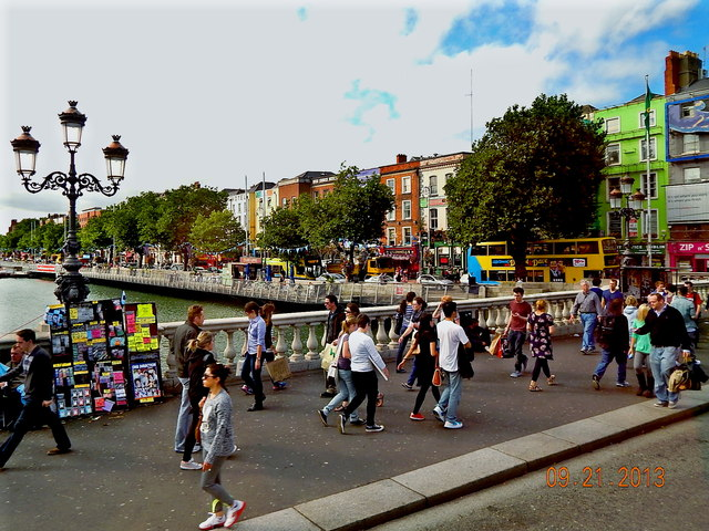 Dublin-O'Connell Bridge & Bachelors Wk