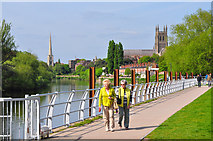 SO8453 : Worcester : River Severn & Footpath by Lewis Clarke