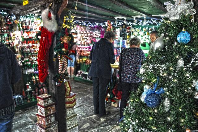 Stratford-Upon-Avon : Nutcracker Christmas Shop