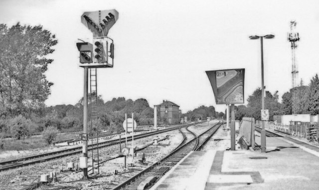 Princes Risborough: junction north of station