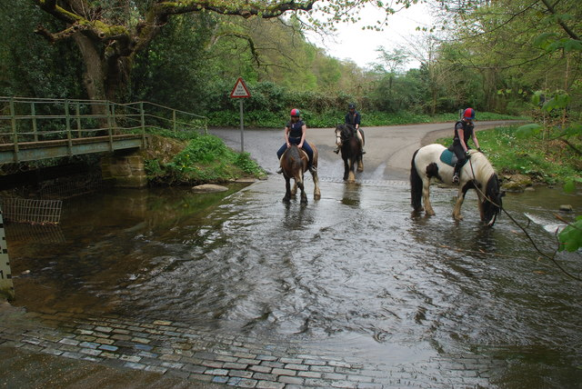 Ford & Riders at Old Ridley Ford