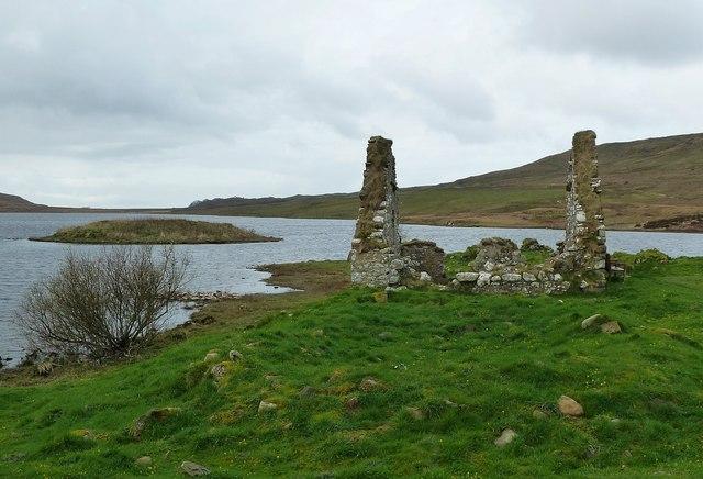 Finlaggan - Great Hall (ruin) and Council Isle