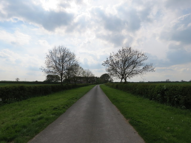 West  of  Lund  minor  road  over  wolds