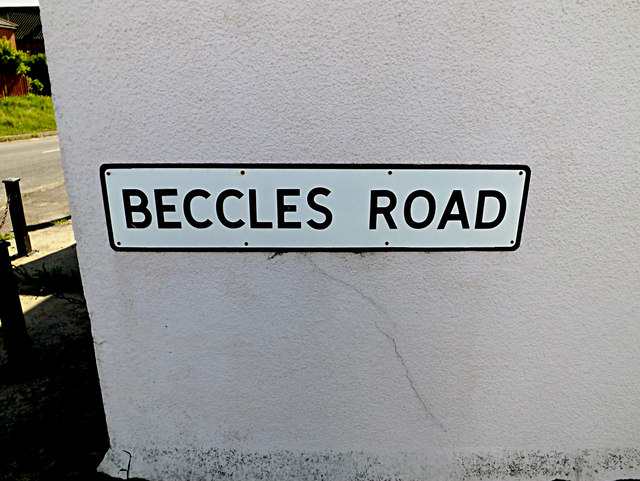 Beccles Road sign