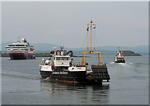 NM8529 : Raasay & Eigg in Oban Bay by The Carlisle Kid