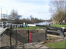 SO8453 : Worcester & Birmingham Canal - Diglis Bottom Lock by Chris Allen