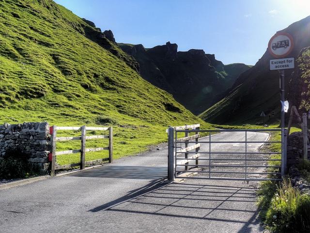 Cattle Grid at the bottom of Winnatts Pass
