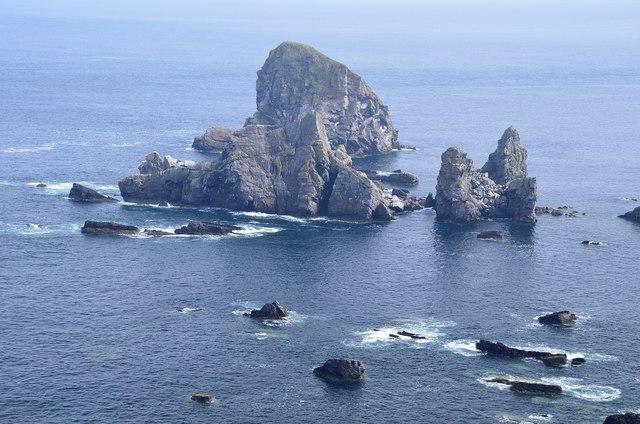 Sea stacks east of Faraid Head (2)