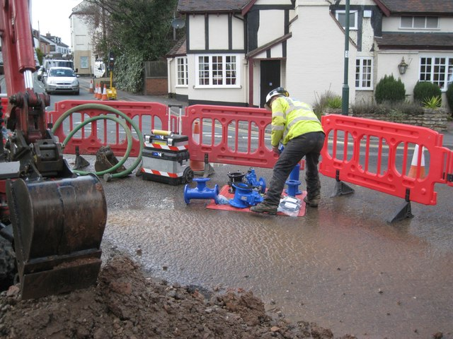 Dealing with a flood, High Street, Studley: 2