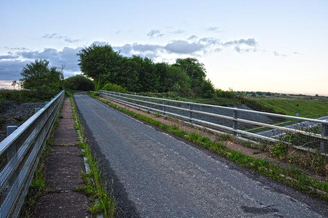 North Devon : Country Lane & Bridge