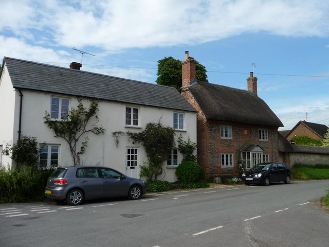 Contrasting houses, Wilsford