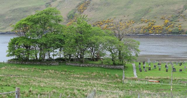 Trees and cemetery near Merkadale