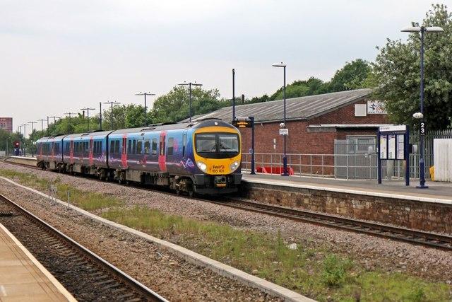 First TransPennine Class 185, 185101, platform 4, Stalybridge railway station
