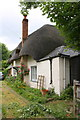 SU5886 : Swan Cottage, Station Road by Roger Templeman