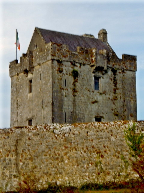 Dunguaire Castle along N67 east of Kinvarra
