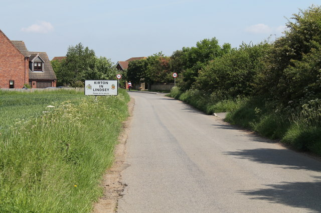 Entering Kirton in Lindsey on Grayingham Low Road