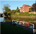 SO8933 : Riverside houses and their reflection, Tewkesbury by Jaggery