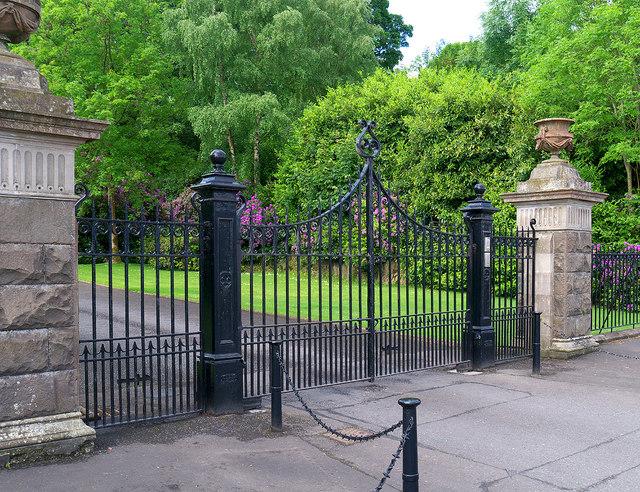Entrance gates, Ballynahinch