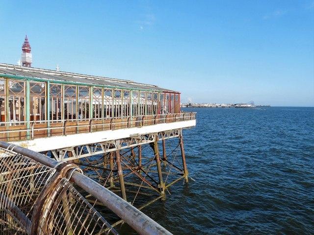 Sun lounge at Blackpool North Pier