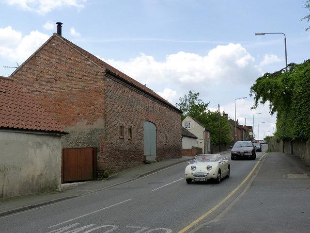 Carne, Main Street