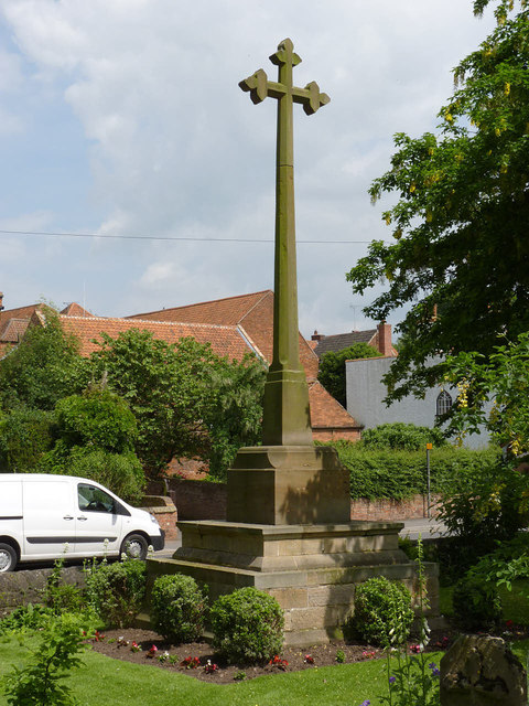 War memorial cross, Farnsfield
