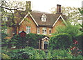 TL1926 : House on Sperberry Hill, St Ippolyts by Humphrey Bolton
